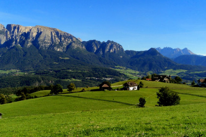 Hiking in the mountains of South Tyrol – Nordic Walking
