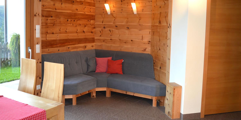 ferienwohnung ritten bozen wohnen am bauernhof s dtirol. Black Bedroom Furniture Sets. Home Design Ideas